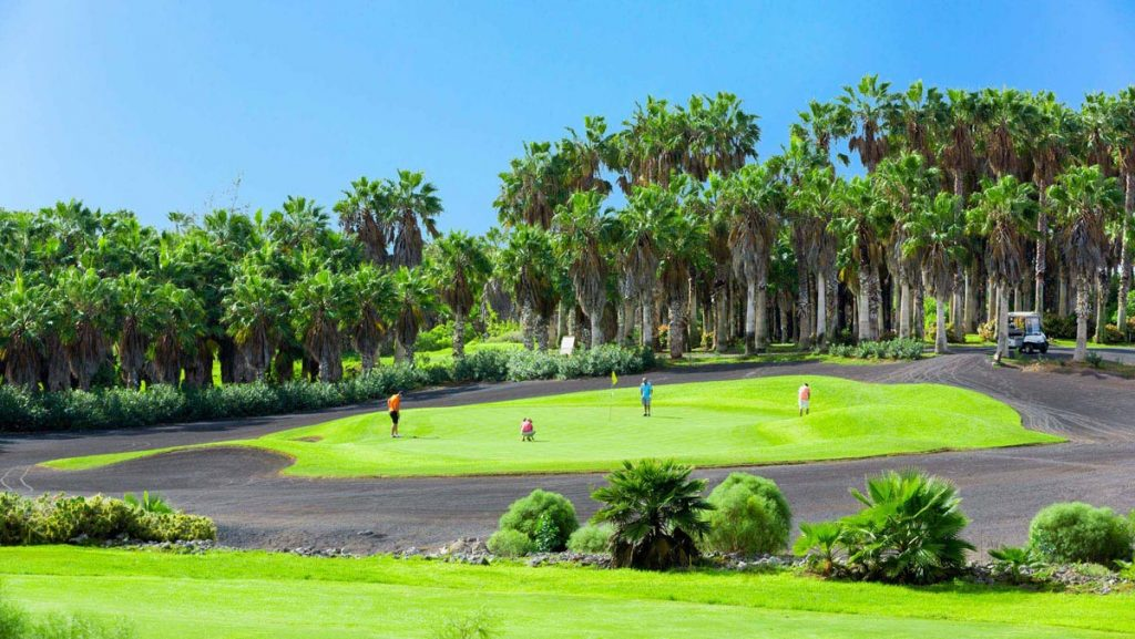 https://golftravelpeople.com/wp-content/uploads/2019/04/Golf-del-Sur-Tenerife-7-1024x577.jpg