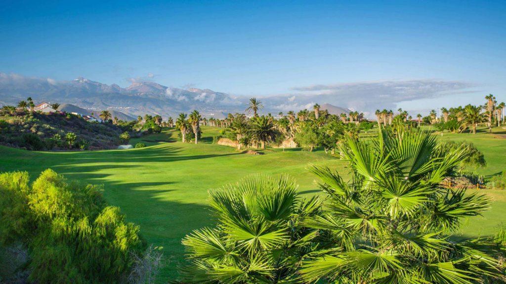 https://golftravelpeople.com/wp-content/uploads/2019/04/Golf-del-Sur-Tenerife-9-1024x576.jpg