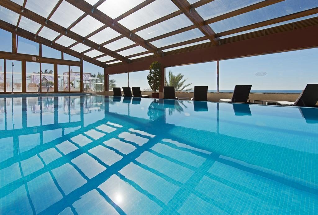 https://golftravelpeople.com/wp-content/uploads/2019/04/Gran-Hotel-Elba-Estepona-Swimming-Pools-and-Spa-9-1024x691.jpg