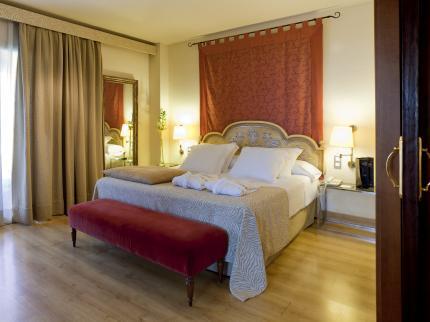 https://golftravelpeople.com/wp-content/uploads/2019/04/Hesperia-Hotel-Seville-5.jpg