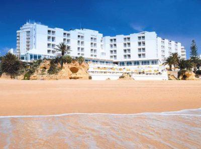 https://golftravelpeople.com/wp-content/uploads/2019/04/Holiday-Inn-Algarve-1-400x296.jpg