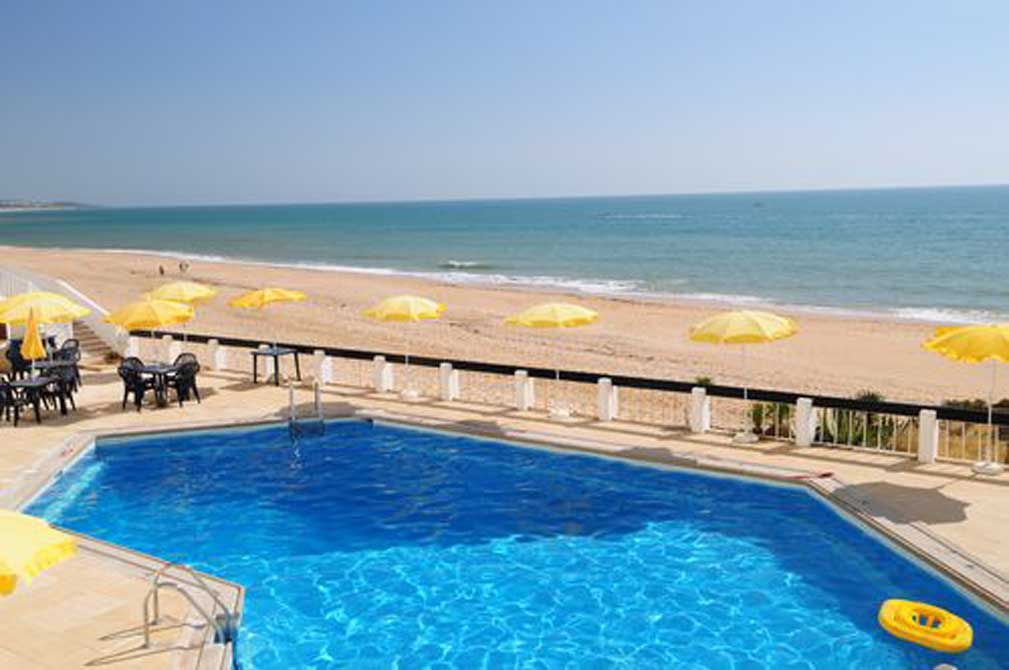 https://golftravelpeople.com/wp-content/uploads/2019/04/Holiday-Inn-Algarve-12.jpg