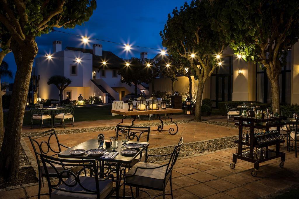 https://golftravelpeople.com/wp-content/uploads/2019/04/Hotel-Almenara-Sotogrande-1-1024x683.jpg