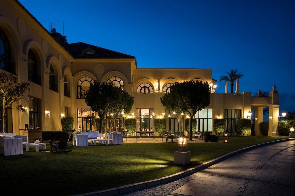 https://golftravelpeople.com/wp-content/uploads/2019/04/Hotel-Almenara-Sotogrande-24-1024x683.jpg