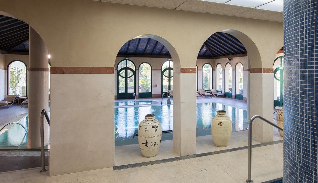 https://golftravelpeople.com/wp-content/uploads/2019/04/Hotel-Almenara-Sotogrande-Swimming-Pool-and-Spa-1-1024x589.jpg