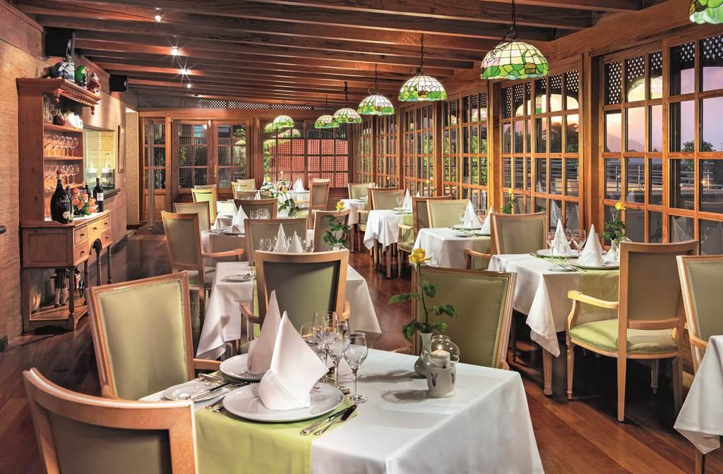 https://golftravelpeople.com/wp-content/uploads/2019/04/Hotel-Botanico-Oriental-Spa-Garden-Tenerife-11.jpg
