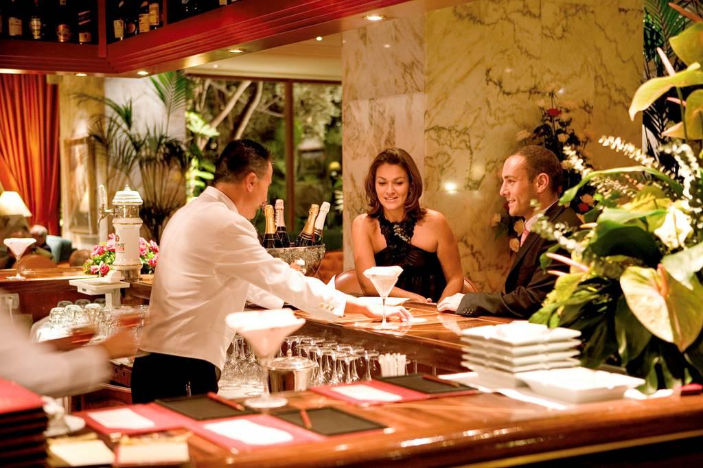 https://golftravelpeople.com/wp-content/uploads/2019/04/Hotel-Botanico-Oriental-Spa-Garden-Tenerife-5.jpg