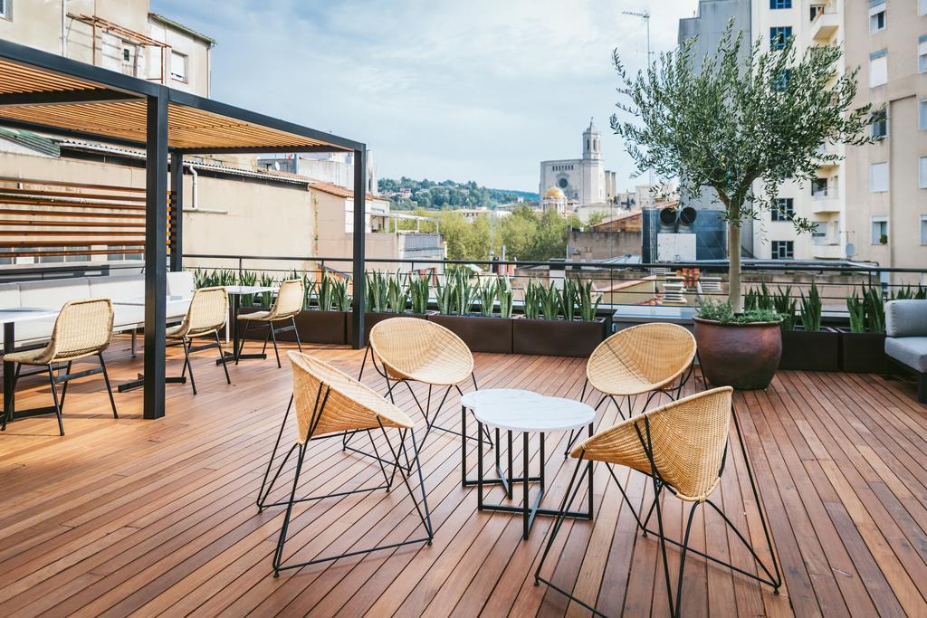 https://golftravelpeople.com/wp-content/uploads/2019/04/Hotel-Gran-Ultonia-Girona-3.jpg