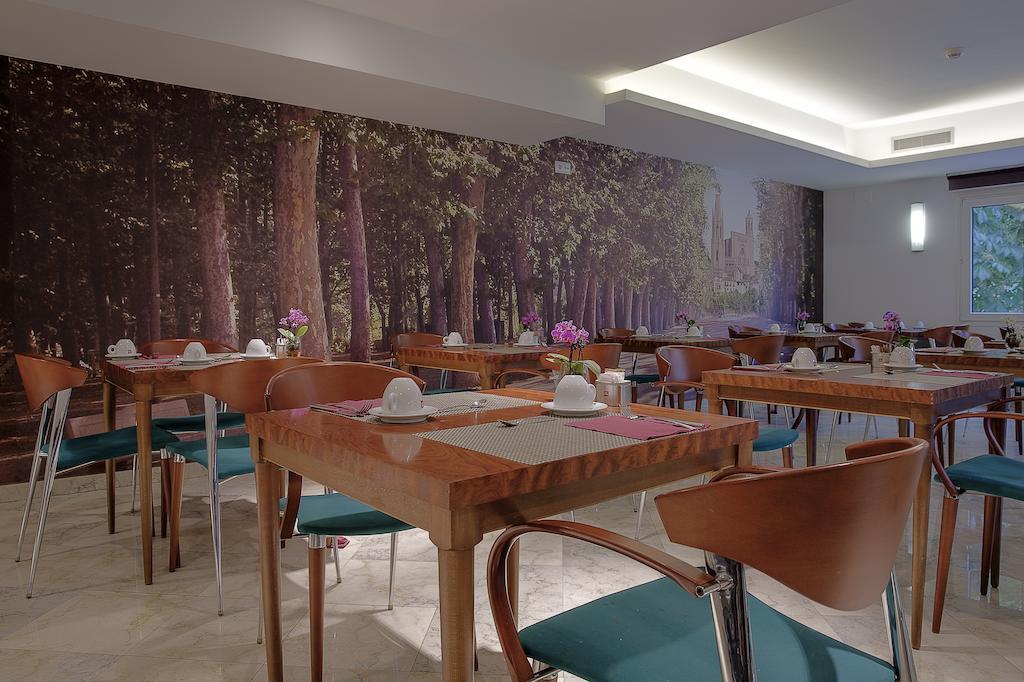 https://golftravelpeople.com/wp-content/uploads/2019/04/Hotel-Gran-Ultonia-Girona-7.jpg