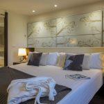 https://golftravelpeople.com/wp-content/uploads/2019/04/Hotel-Gran-Ultonia-Girona-Bedrooms-10-150x150.jpg