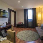https://golftravelpeople.com/wp-content/uploads/2019/04/Hotel-Gran-Ultonia-Girona-Bedrooms-3-150x150.jpg