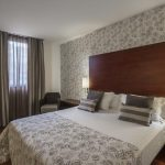 https://golftravelpeople.com/wp-content/uploads/2019/04/Hotel-Gran-Ultonia-Girona-Bedrooms-4-150x150.jpg