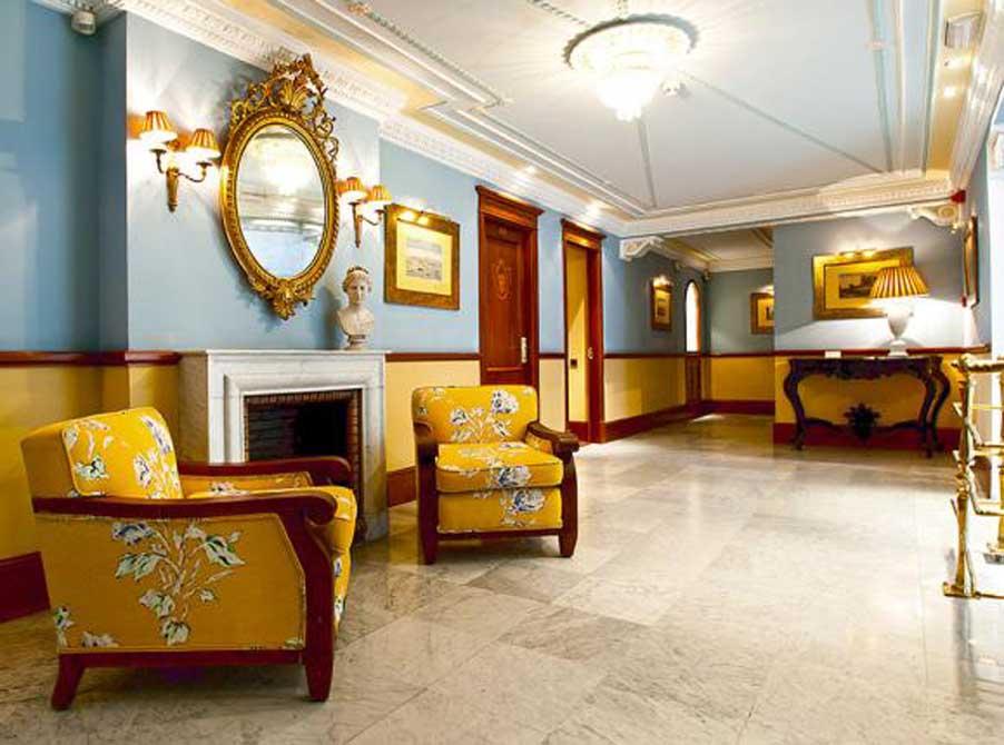https://golftravelpeople.com/wp-content/uploads/2019/04/Hotel-Inglaterra-Seville-3.jpg