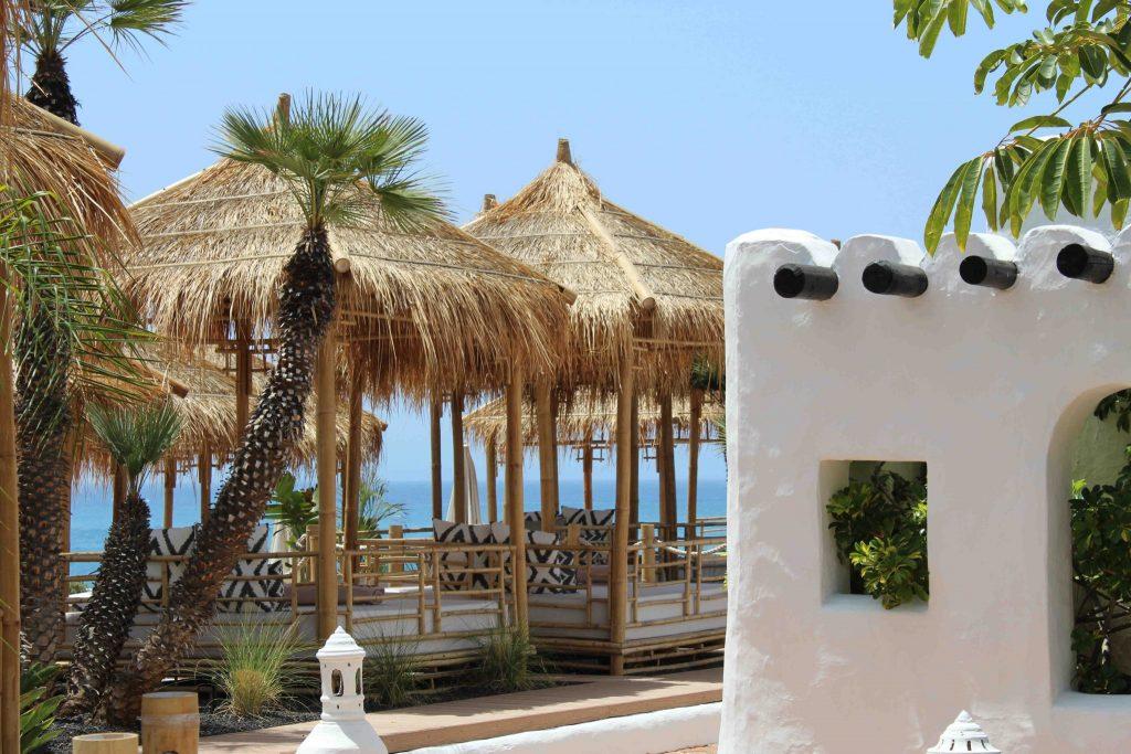 https://golftravelpeople.com/wp-content/uploads/2019/04/Hotel-Jardin-Tropical-Bars-Restaurants-comp-12-1024x683.jpg