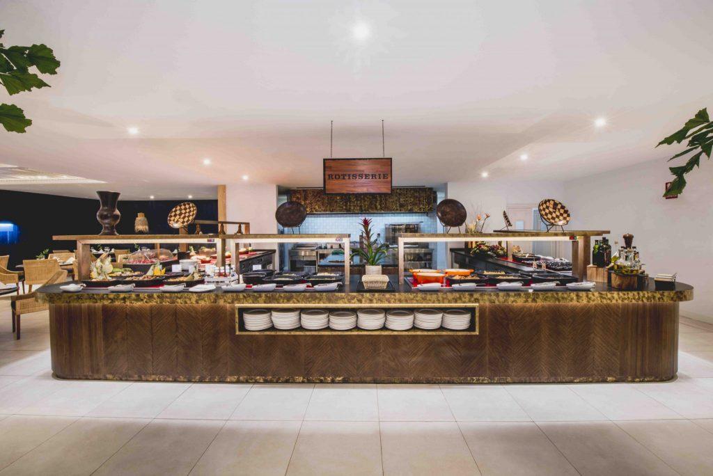https://golftravelpeople.com/wp-content/uploads/2019/04/Hotel-Jardin-Tropical-Bars-Restaurants-comp-14-1024x684.jpg