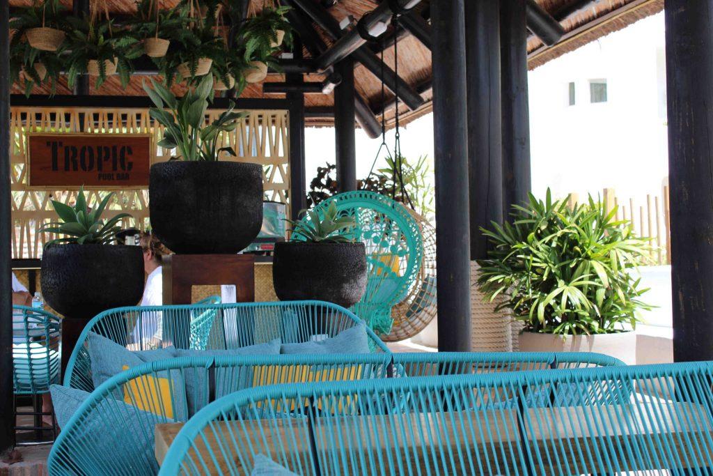 https://golftravelpeople.com/wp-content/uploads/2019/04/Hotel-Jardin-Tropical-Bars-Restaurants-comp-15-1024x683.jpg
