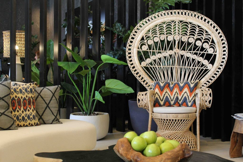 https://golftravelpeople.com/wp-content/uploads/2019/04/Hotel-Jardin-Tropical-Bars-Restaurants-comp-18-1024x683.jpg