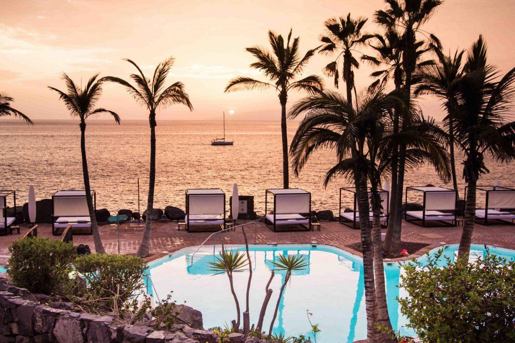 https://golftravelpeople.com/wp-content/uploads/2019/04/Hotel-Jardin-Tropical-Swimming-Pools-Gym-comp-1024x683.jpg