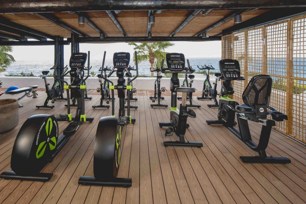 https://golftravelpeople.com/wp-content/uploads/2019/04/Hotel-Jardin-Tropical-Swimming-Pools-Gym-comp-4-1024x684.jpg