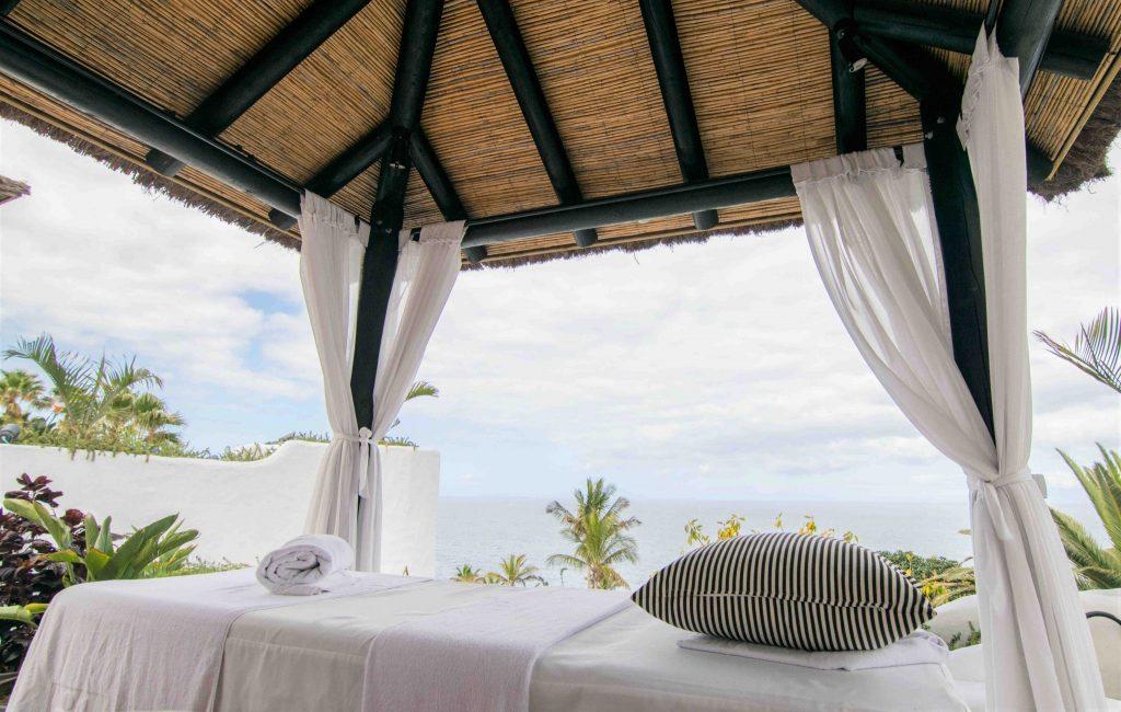 https://golftravelpeople.com/wp-content/uploads/2019/04/Hotel-Jardin-Tropical-Swimming-Pools-Gym-comp-5-1024x650.jpg