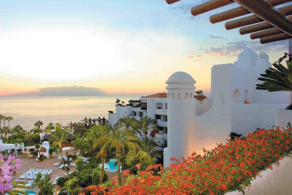 https://golftravelpeople.com/wp-content/uploads/2019/04/Hotel-Jardin-Tropical-comp-1024x683.jpg