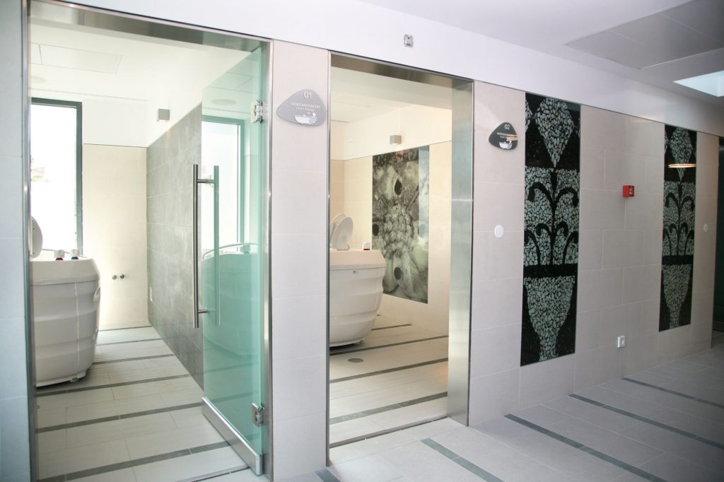 https://golftravelpeople.com/wp-content/uploads/2019/04/Hotel-Palacio-Estoril-Banyan-Tree-Spa-Fitness-6-1024x682.jpg