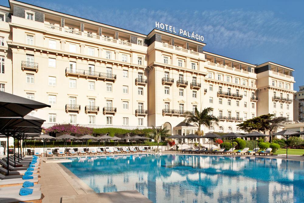 https://golftravelpeople.com/wp-content/uploads/2019/04/Hotel-Palacio-Estoril-External-8.jpg