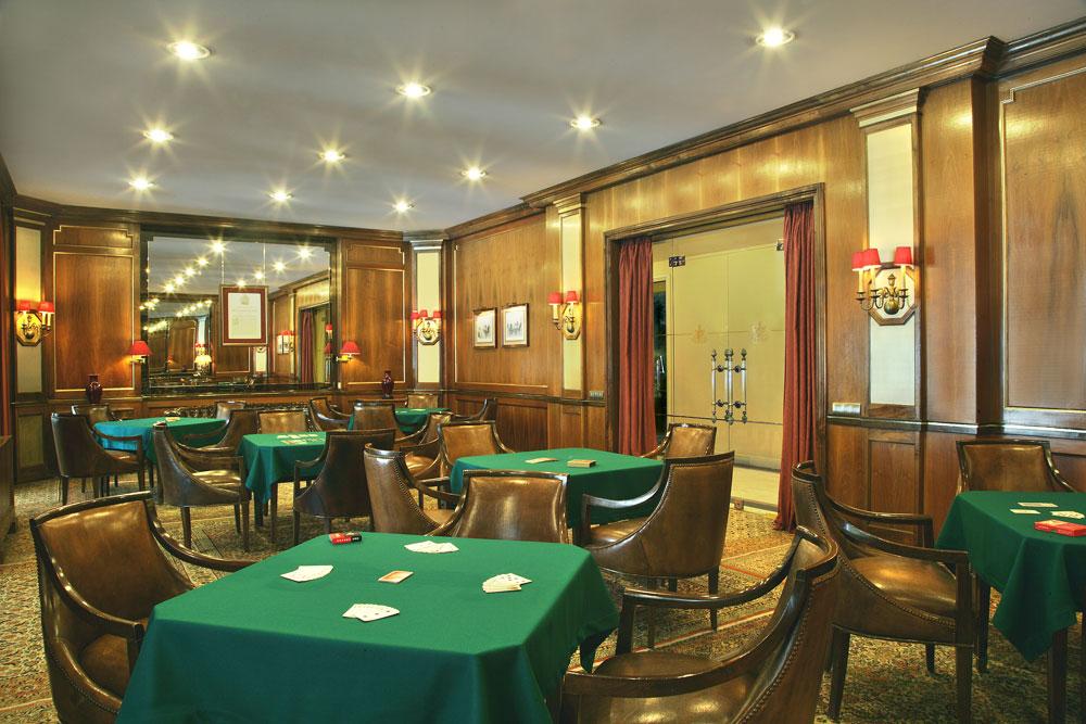 https://golftravelpeople.com/wp-content/uploads/2019/04/Hotel-Palacio-Estoril-General-3.jpg