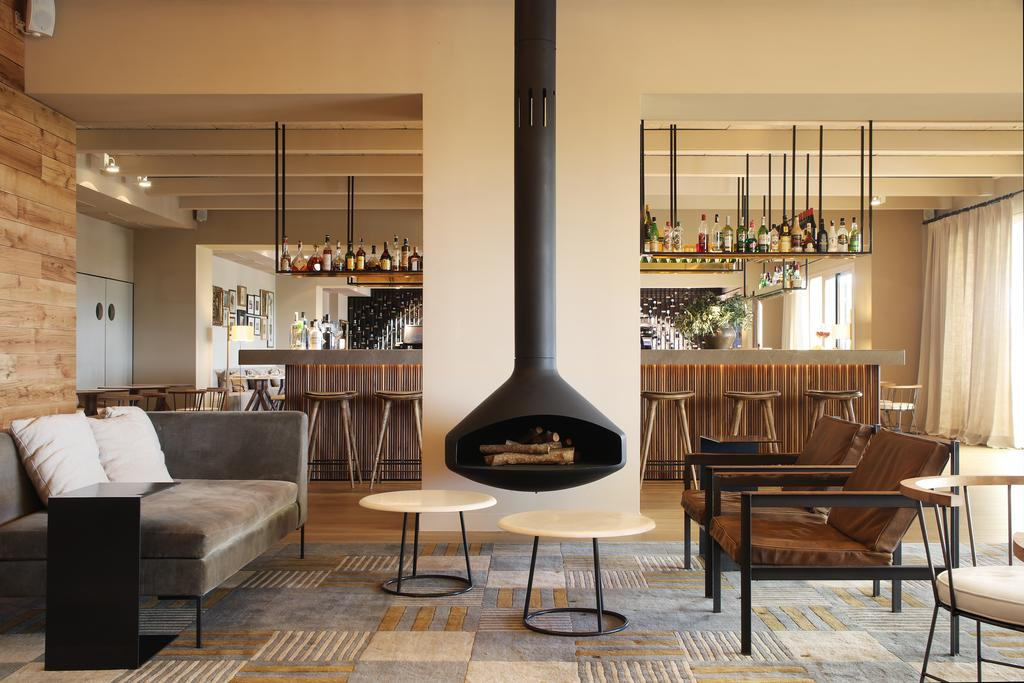 https://golftravelpeople.com/wp-content/uploads/2019/04/Hotel-Peralada-Wine-Spa-and-Golf-10.jpg