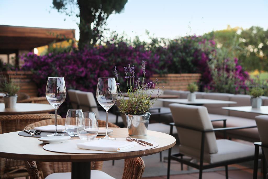 https://golftravelpeople.com/wp-content/uploads/2019/04/Hotel-Peralada-Wine-Spa-and-Golf-12.jpg