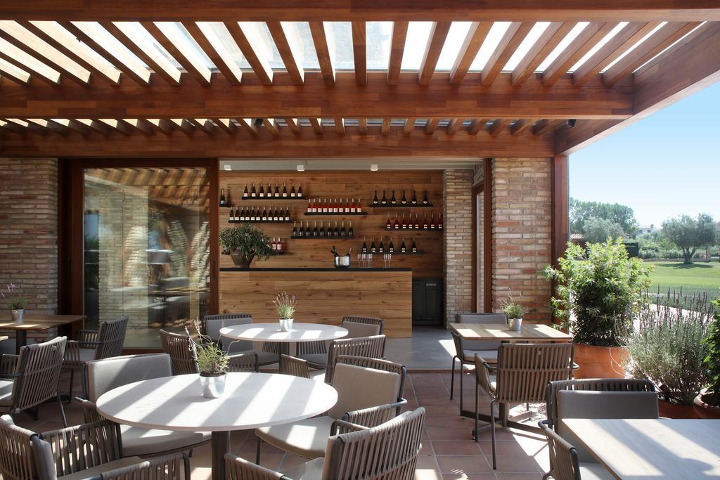 https://golftravelpeople.com/wp-content/uploads/2019/04/Hotel-Peralada-Wine-Spa-and-Golf-13.jpg