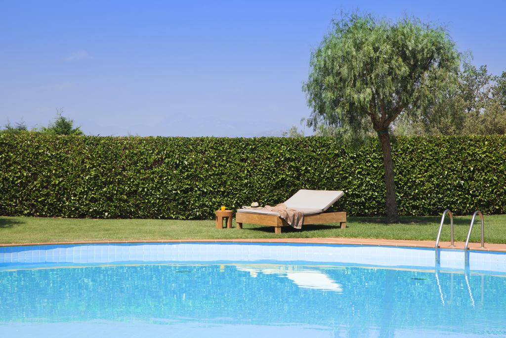 https://golftravelpeople.com/wp-content/uploads/2019/04/Hotel-Peralada-Wine-Spa-and-Golf-17.jpg