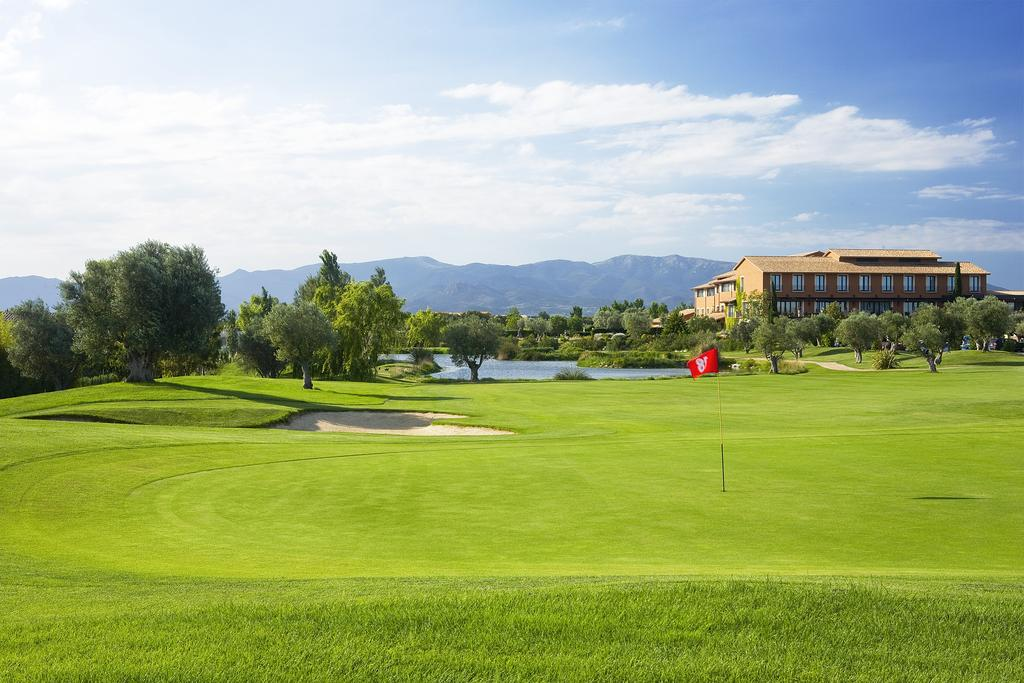 https://golftravelpeople.com/wp-content/uploads/2019/04/Hotel-Peralada-Wine-Spa-and-Golf-2.jpg