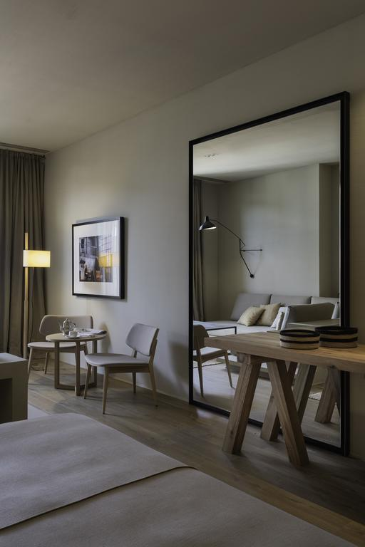 https://golftravelpeople.com/wp-content/uploads/2019/04/Hotel-Peralada-Wine-Spa-and-Golf-22.jpg