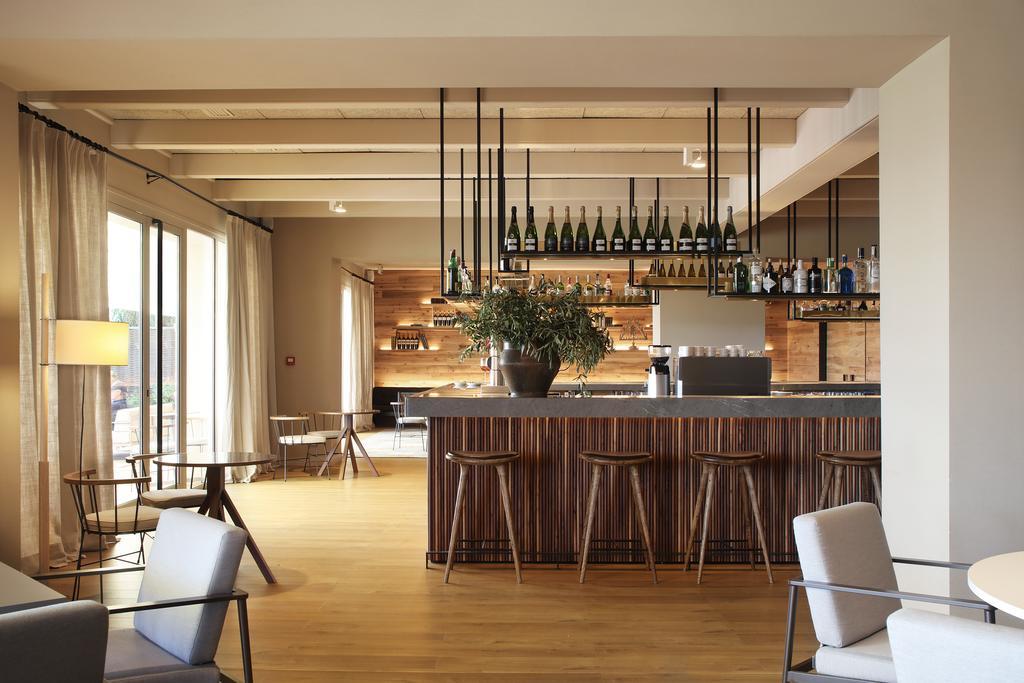https://golftravelpeople.com/wp-content/uploads/2019/04/Hotel-Peralada-Wine-Spa-and-Golf-9.jpg