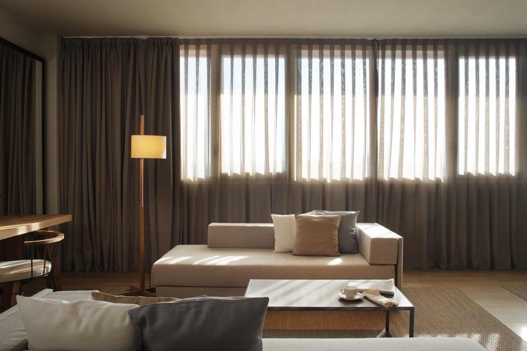 https://golftravelpeople.com/wp-content/uploads/2019/04/Hotel-Peralada-Wine-Spa-and-Golf-Bedrooms-11.jpg
