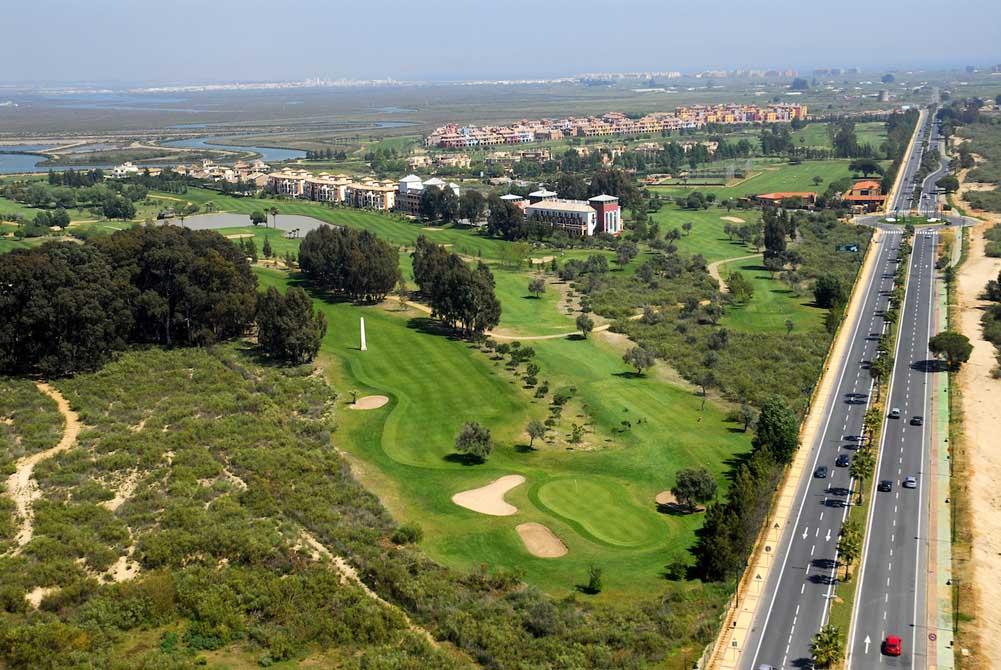 https://golftravelpeople.com/wp-content/uploads/2019/04/Isla-Canela-Golf-Club-16.jpg