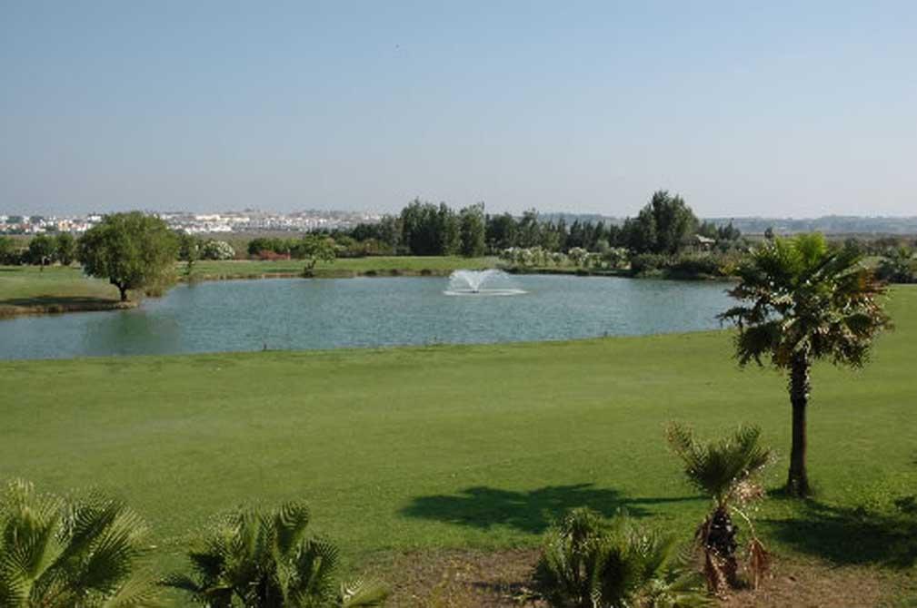 https://golftravelpeople.com/wp-content/uploads/2019/04/Isla-Canela-Golf-Club-3.jpg