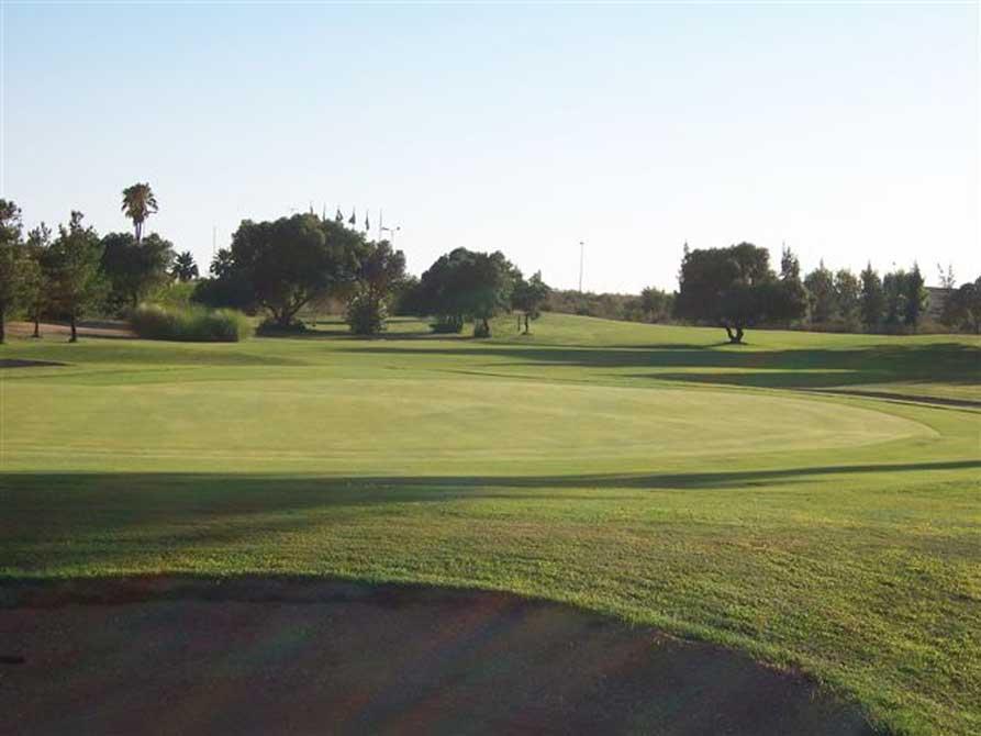 https://golftravelpeople.com/wp-content/uploads/2019/04/Isla-Canela-Golf-Club-5.jpg