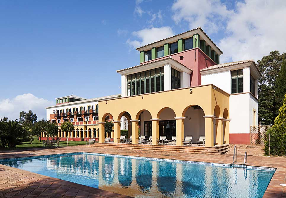 https://golftravelpeople.com/wp-content/uploads/2019/04/Isla-Canela-Golf-Hotel-11.jpg