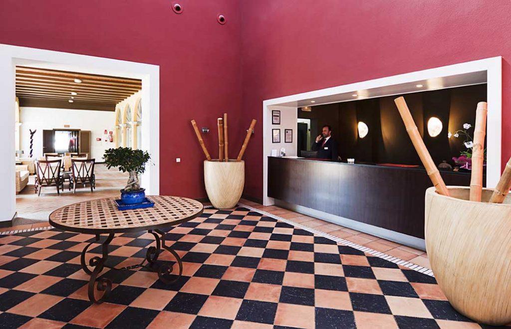 https://golftravelpeople.com/wp-content/uploads/2019/04/Isla-Canela-Golf-Hotel-19-1024x659.jpg