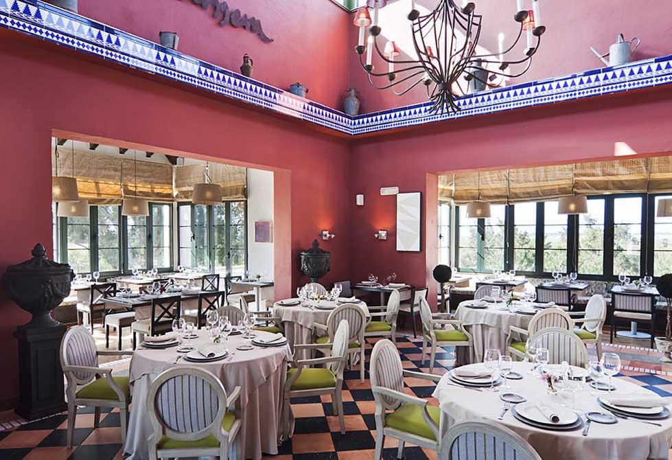 https://golftravelpeople.com/wp-content/uploads/2019/04/Isla-Canela-Golf-Hotel-22.jpg