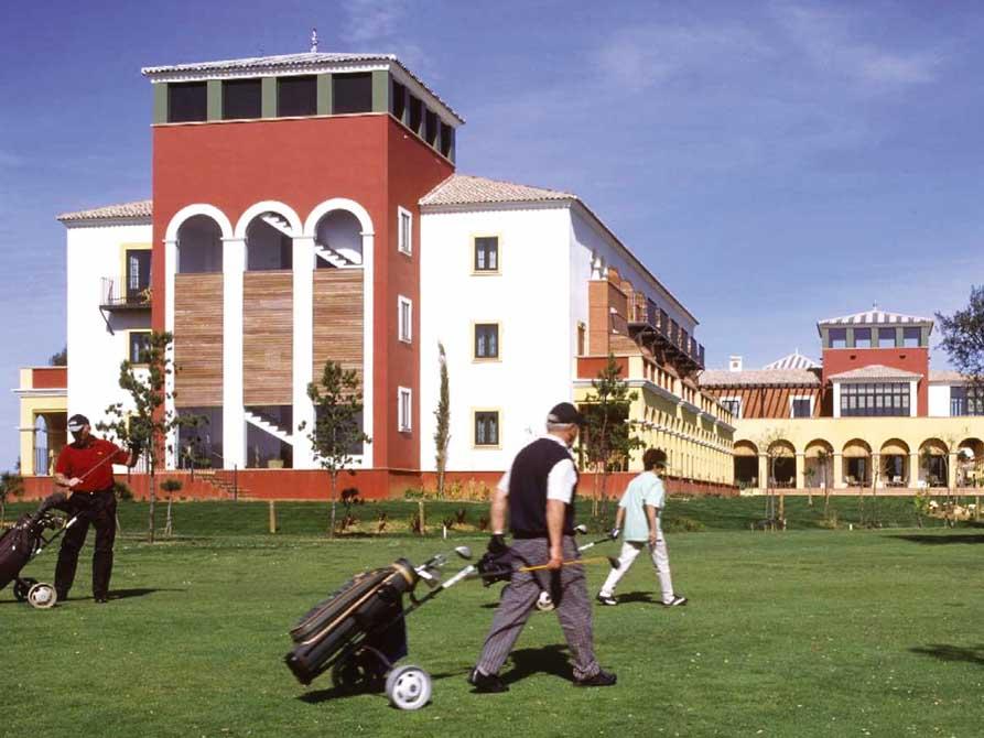 https://golftravelpeople.com/wp-content/uploads/2019/04/Isla-Canela-Golf-Hotel-7.jpg