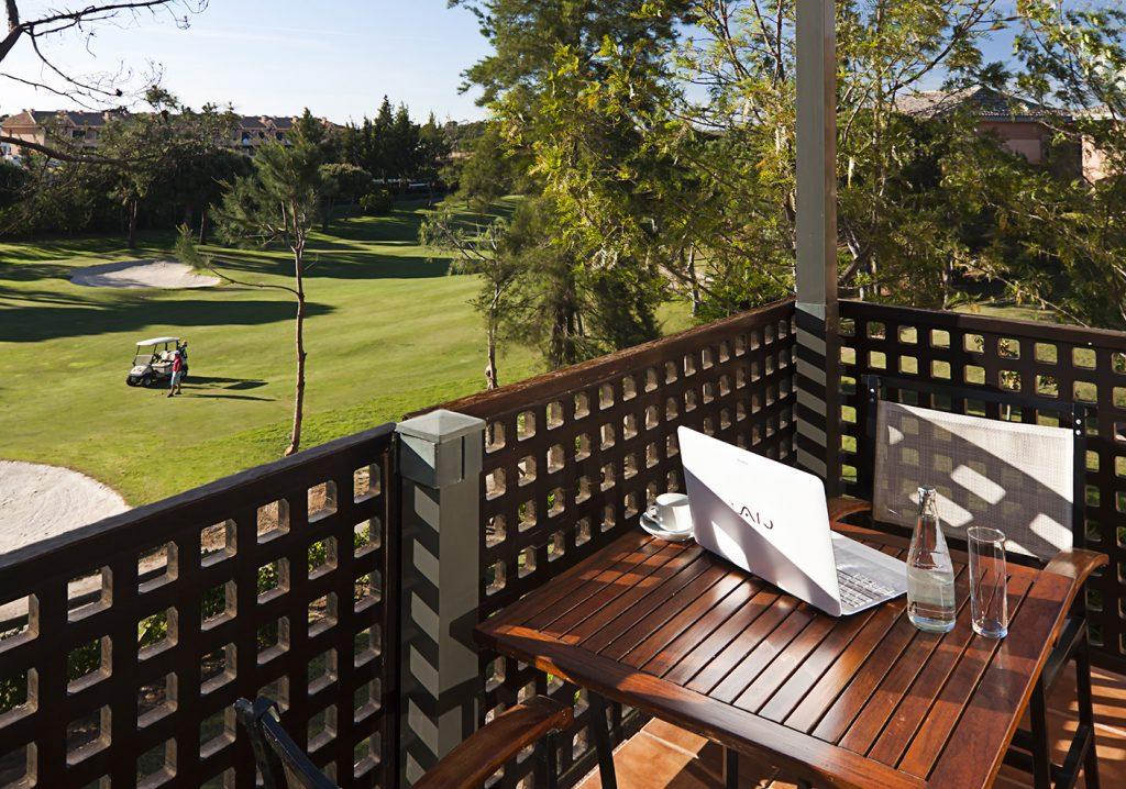 https://golftravelpeople.com/wp-content/uploads/2019/04/Islantilla-Golf-Resort-10-1024x718.jpg