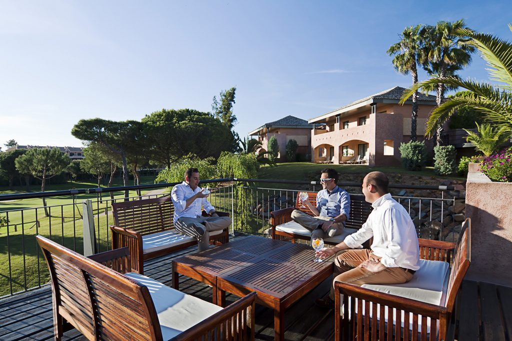 https://golftravelpeople.com/wp-content/uploads/2019/04/Islantilla-Golf-Resort-2-1024x683.jpg