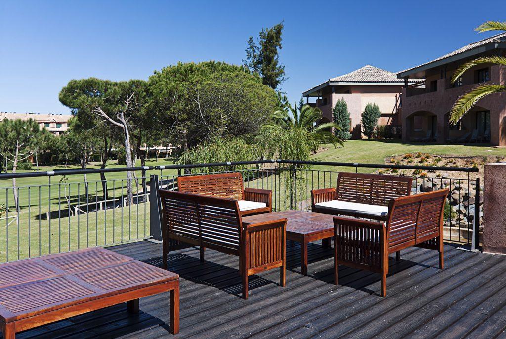 https://golftravelpeople.com/wp-content/uploads/2019/04/Islantilla-Golf-Resort-8-1024x686.jpg