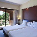 https://golftravelpeople.com/wp-content/uploads/2019/04/Islantilla-Golf-Resort-Hotel-Bedrooms-4-150x150.jpg