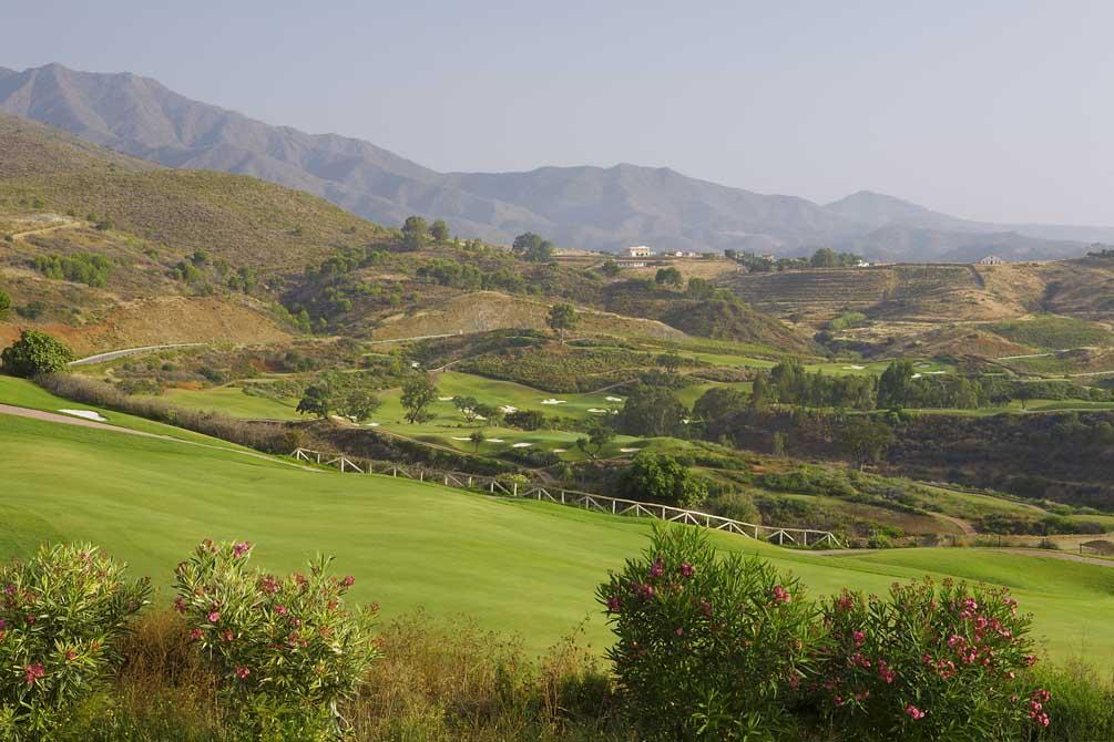 https://golftravelpeople.com/wp-content/uploads/2019/04/La-Cala-Campo-Europa-5.jpg