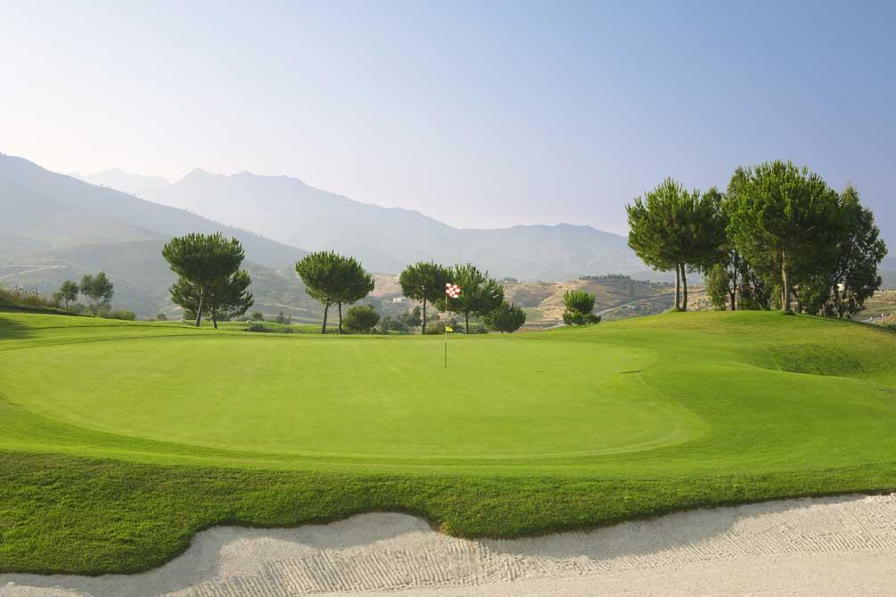 https://golftravelpeople.com/wp-content/uploads/2019/04/La-Cala-Golf-Club-Campo-America-4.jpg
