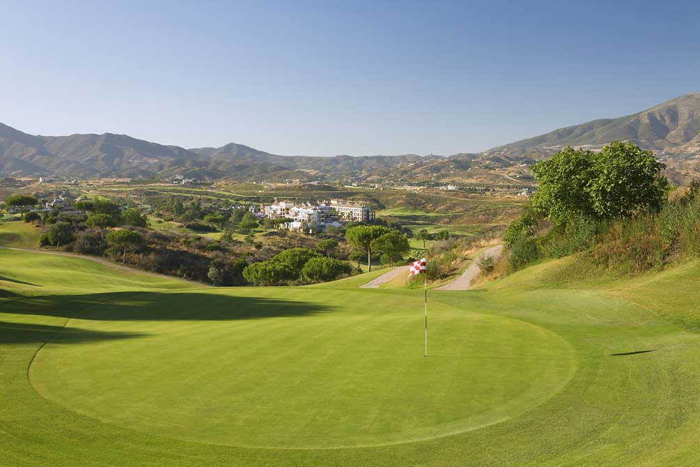 https://golftravelpeople.com/wp-content/uploads/2019/04/La-Cala-Golf-Club-Campo-Asia-4.jpg